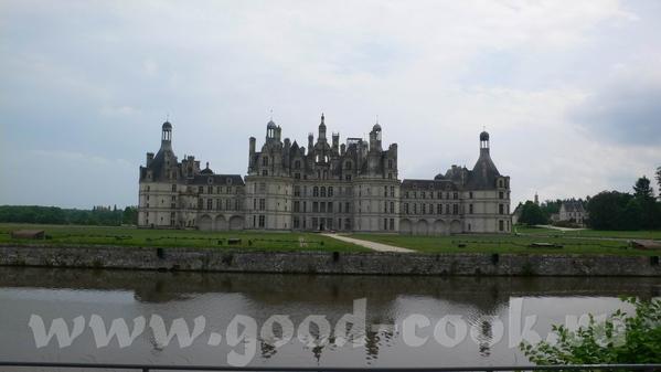 Это вид на замок Chaumont И на Луару - 2