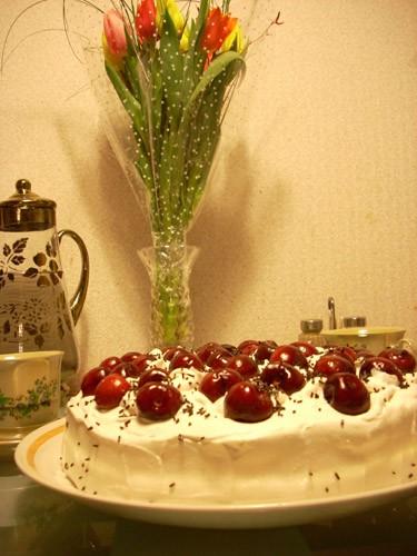Крендель с начинкой Paris- Brest Итальянский орехово-шоколадный торт Ёлочка из профитролей с малино... - 4