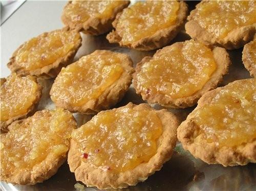 Тарталетки с лимонным конфитюром Тесто: 200-250 г муки, 80 г слив