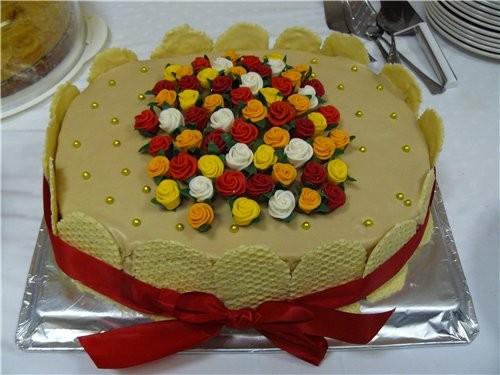 Такой торт я делала ещё летом тётке на 60 лет