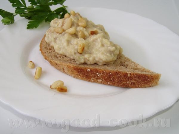 Баклажанная икра с тхиной и кедровыми орешками Куриное мясо под ореховым соусом Капустные оладьи