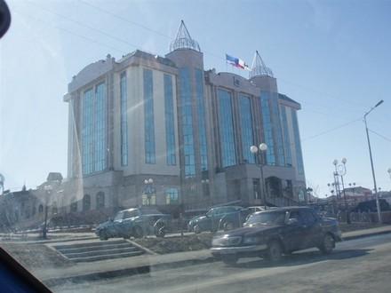 Новое здание администрации Тут заседает наш Неелов, губернатор