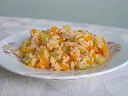 А это мой ужин, очень простой, рис с овощами :