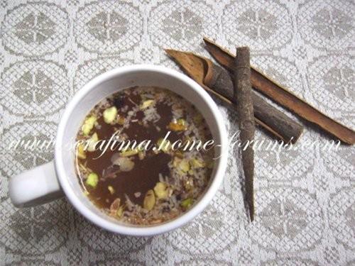 Коричный чай - кора коричного дерева (корица кусочками) - вода - сахар - 2 ст