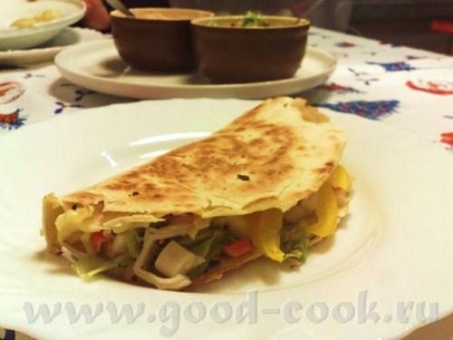 Бутерброды с авокадо, шпинатом и икрой Тортильи с крабовыми палочками Тортильи с индюшатиной и анан... - 2