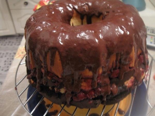 ШОКОЛАДНО - ВИШНЕВЫЙ КЕКС Замечательный кекс с насыщенным шоколадным вкусом, не очень сладкий, с ки...