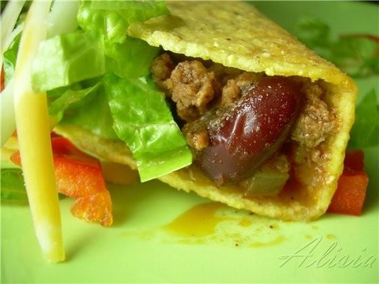 У нас был Мексиканский Такос, мои родные очень любят когда я устраиваю им подобный обед или ужин