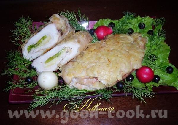 Куриные грудки с пармезаном и пореем в лепестках миндаля