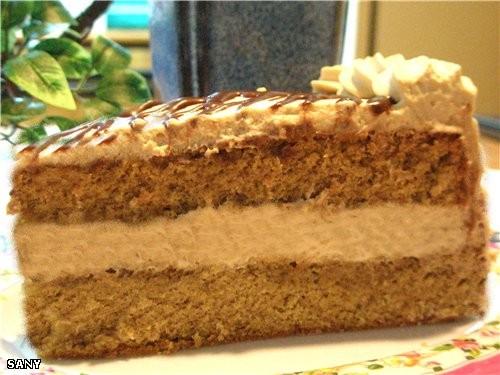 Торт этот необыкновенно нежный и влажный