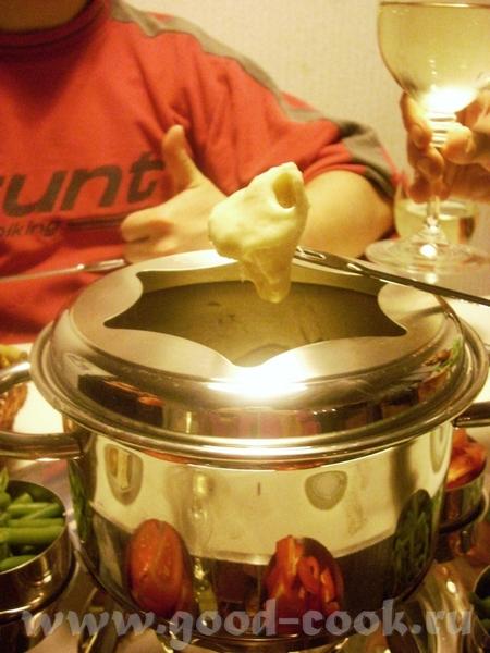 сырное фондю родом из Швейцарии, но и в французской кухне оно прижилось