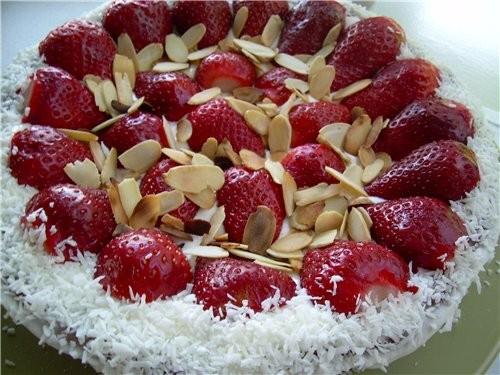 Торт Чизкейк Шоколадный с клубникой