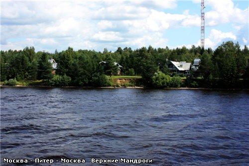 Подплываем к деревне Верхние Мандроги - 2