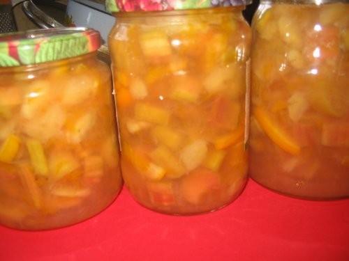 Варенье из ревеня Оригинальный рецепт такой 1 кг ревеня, 3 апельсина, 600 г сахара - 2