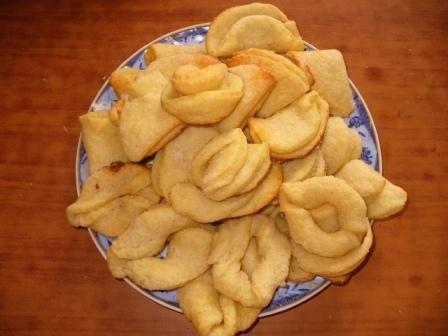 """Печенье из творожного теста: """"ушки"""" """"ракушки"""" Продукты: 250 г творога 100 г сливочного масла 200-25..."""