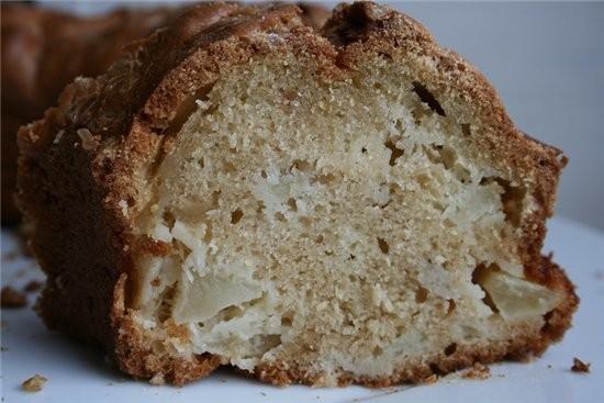 еще один пирог с яблоками-уж сколько их было этот мне понравился-большой влажный,вкууусный яблочный...