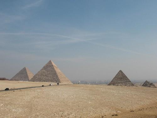 Ну, конечно же, начну с классики… Пирамиды… преодолевая клаустрофобию, побывала внутри… «впечатлила...