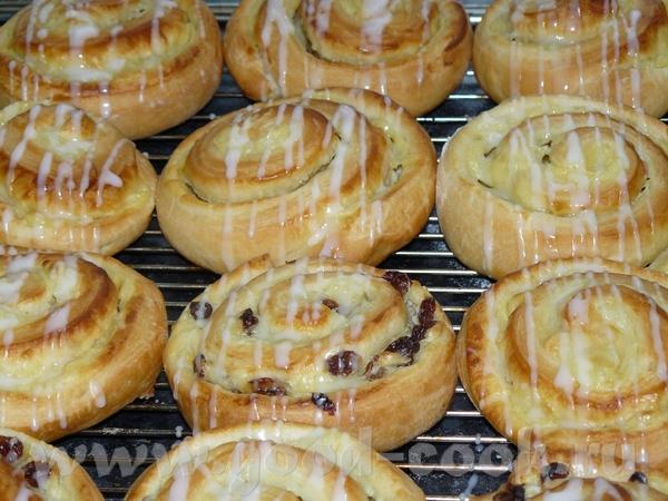 На днях делала вкусные булочки, рецепт с немецкой страницы, ссылку поставлю в конце