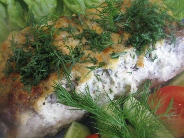 Помещаем рыбу в разогретую до 200 градусов духовку, через минут 7-8 уменьшаем температуру до 190 гр... - 3