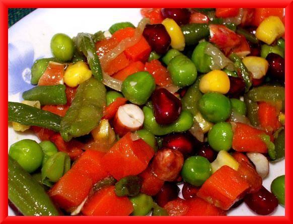 Легкий,витаминный салат всего за несколько минут Пёстрый салат К отварной смеси овощей добавить фис...