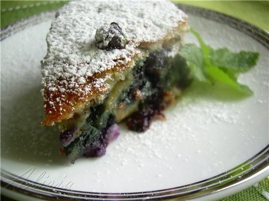 Хочу предложить вам воздушный пирог из ягод, в него можно добавить любую ягоду по вашему вкусу - 2