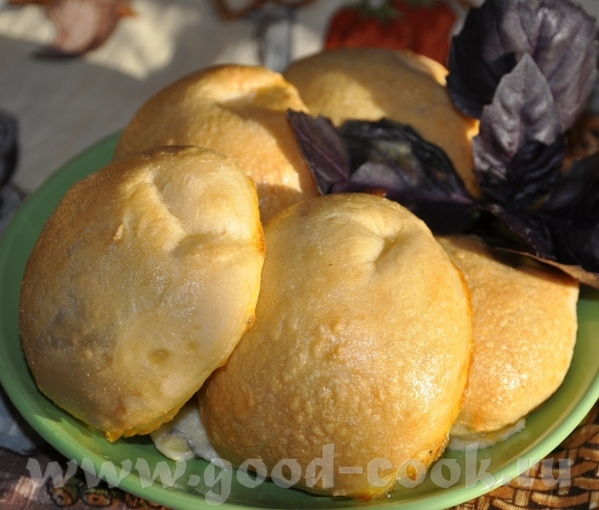 """Пирожки-кальцоне с сыром Идея из книги """"Про пироги"""", издательства журнала """"Гастроном"""""""