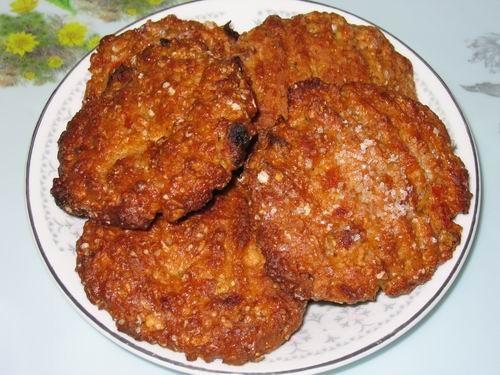 Людочка, а я сделала печеньки с курагой и йогуртом Лично мне очень понравились: с кислинкой, твердо...