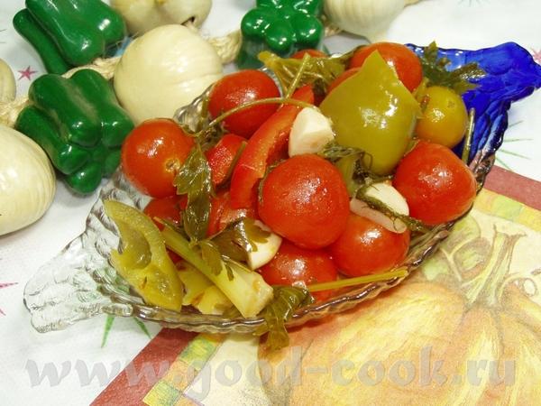 """Маринованные помидоры с перцем Понадобится: 1,200 кг помидорок """"Шерри"""" 3 больших сладких перца 5 ст..."""