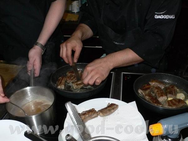А это готовится следующее блюдо: А тут очень даже видны те самые «боевые условия», в которых приход... - 3