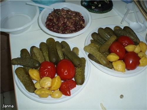 Домашний ужин в честь моего ДР : Оливье Самса моей Бабушки Баклажаны от свекрови Салат необыкновенн... - 2
