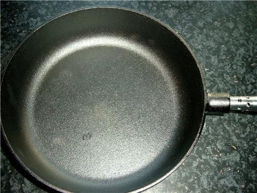 Наконец-то дошли руки показать свою сковороду - довольная как слон, жарю в ней всё подряд - 2