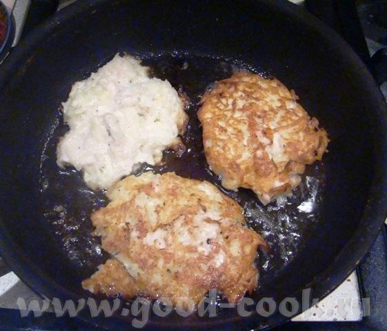 продолжение Куриных драников Мы остнановились на том, что нужно смешать мясную массу и картофель См... - 4