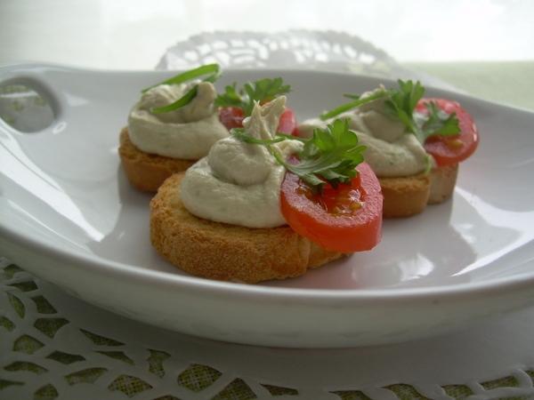 Хочу предложить вам очень простой и вкусный вариант закуски, для праздничного стола, для перекуса и... - 2