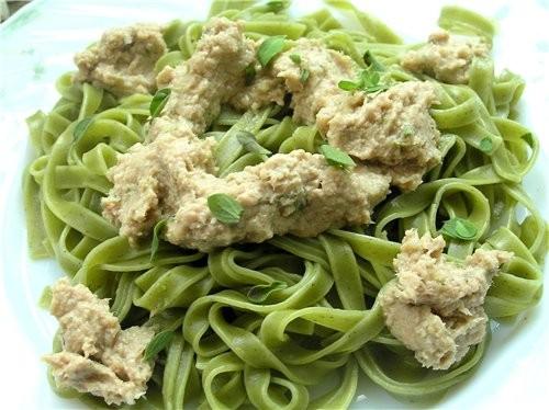 Гнезда из спагетти с моцареллой, шампиньонами и зеленым луком Зеленая лапша с соусом из тунца Лапша... - 3