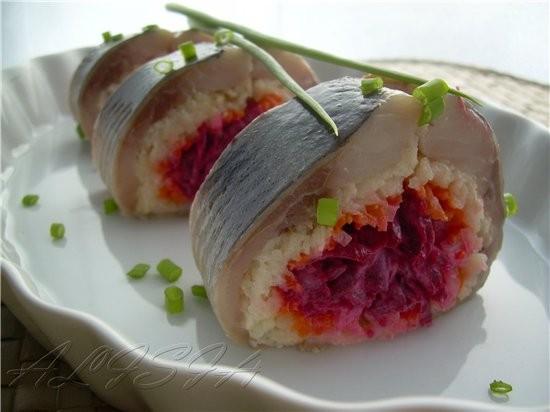 Все любят салат селедка под шубой, хочу сегодня вам предложить еще один вариант порционной подачи е...
