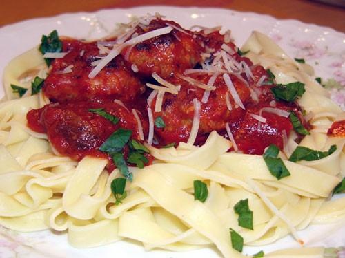 Тефтельки по-итальянски в томатном соусе