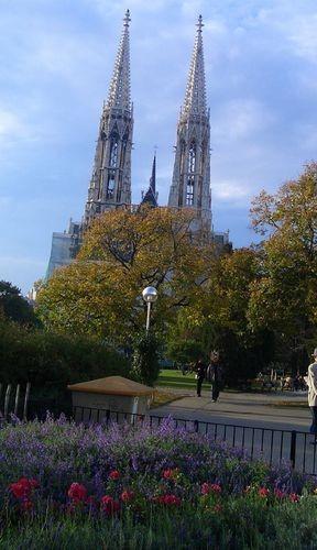 Церковь VOTIVKIRCHE