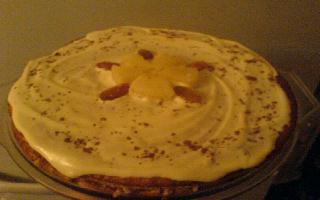 """А вот мой тортик """"на скорую руку"""", рецепт бисквита написала"""