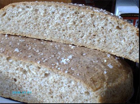 А я сегодня опять испекла хлеб из цельнозерновой муки с овсяными хлопьями