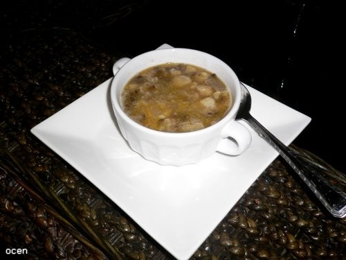 Это супец из коричневой чечевицы