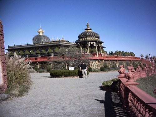 В другой день мы с мамой и Джозефом ездили во дворец Кришны
