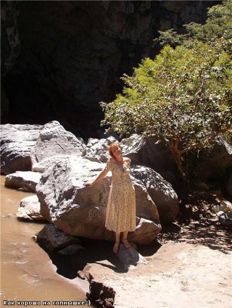 Кроме этого можно было спуститься к реке, которыя выходит из пещеры и там пройти другой путь, но мы... - 3