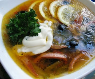 У нас сегодня на ужин Салат Особенный солянка мясная сборная и рисовая каша в горшочках Солдатская... - 2