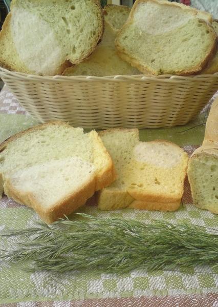 Девочки, смотрите, какой я вам хлеб принесла на Троицу: с брокколи и тыквой (идея хозяйки сайта