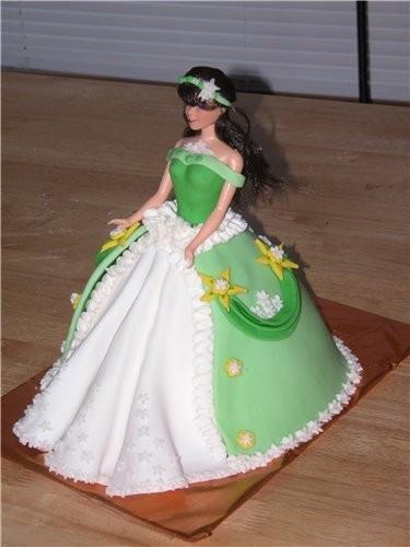 Пекла торт у подруги дочке исполнялось 4 года