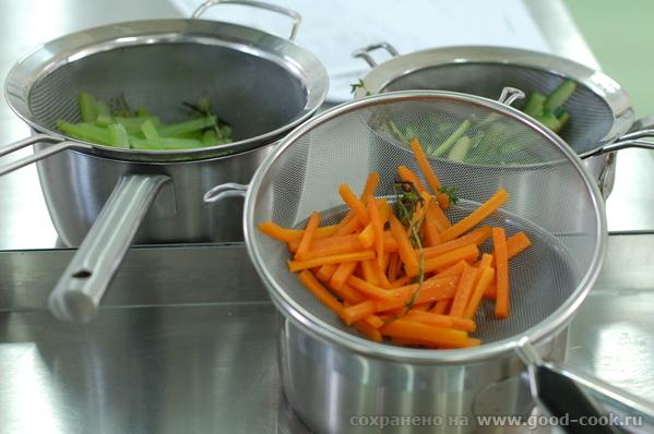 Подготовка томатной базы для супа Подготовленные морепродукты Овощи для салата, сбланшированные в п... - 3