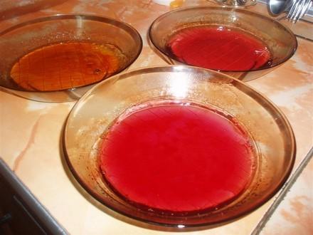 Вылить тесто в смазанную маслом и присыпанную мукой форму(у меня большая, стеклянная), и выпекать в... - 3
