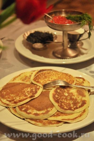 итак, меню Закуски: Утиное фуа-гра, к нему абрикосовый джем и маленькие тосты на сливочном масле (н... - 3
