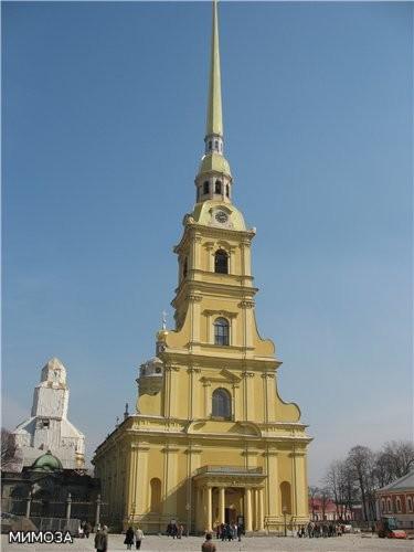 Ну и, наверное - та фотография, которую вы все так ждете - сам собор Святых Петра и Павла