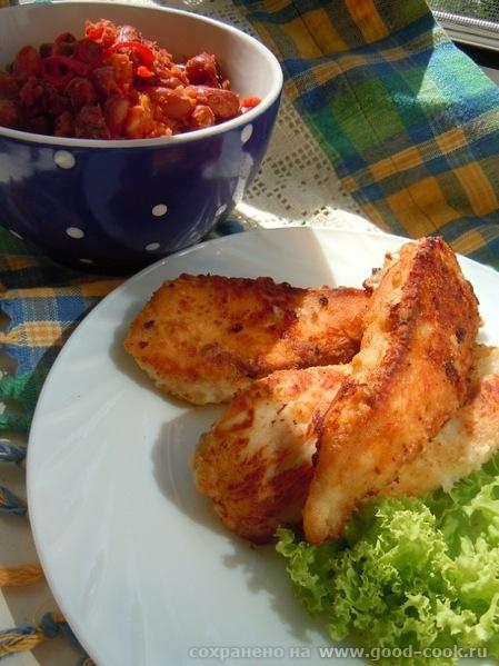 Куриные пальчики и острая фасоль с томатами