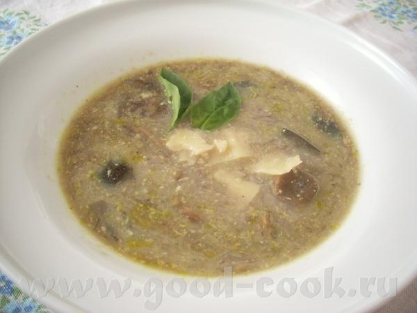 Нежный грибной суп с гренками
